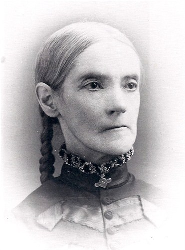 Sarah Jane Nind Kemp, (1830, England - 1902, Harlan, Shelby, Iowa) daughter of John Newton & Eliza Barrett Nind; wife of James Gillis Kemp